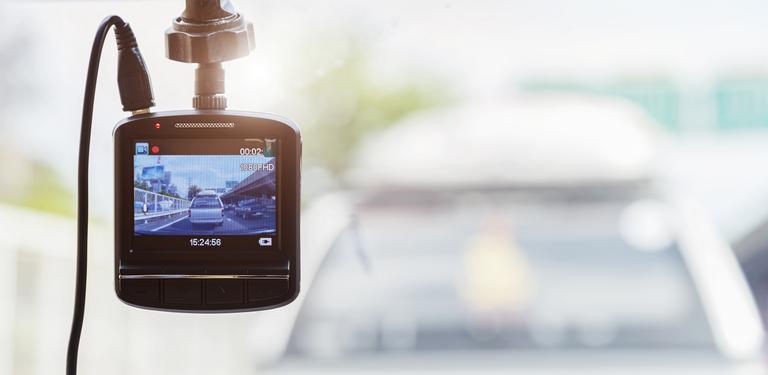 Foto einer Dashcam in einem Auto, Symbolbild: Colourbox